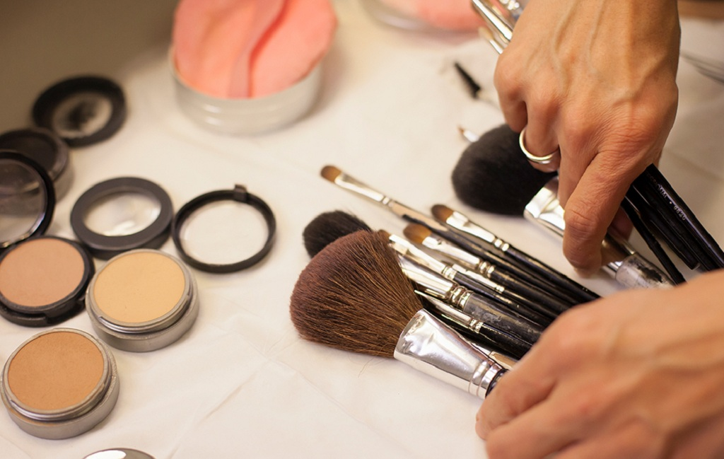 The Ideal Makeup Routine for Having Youthful